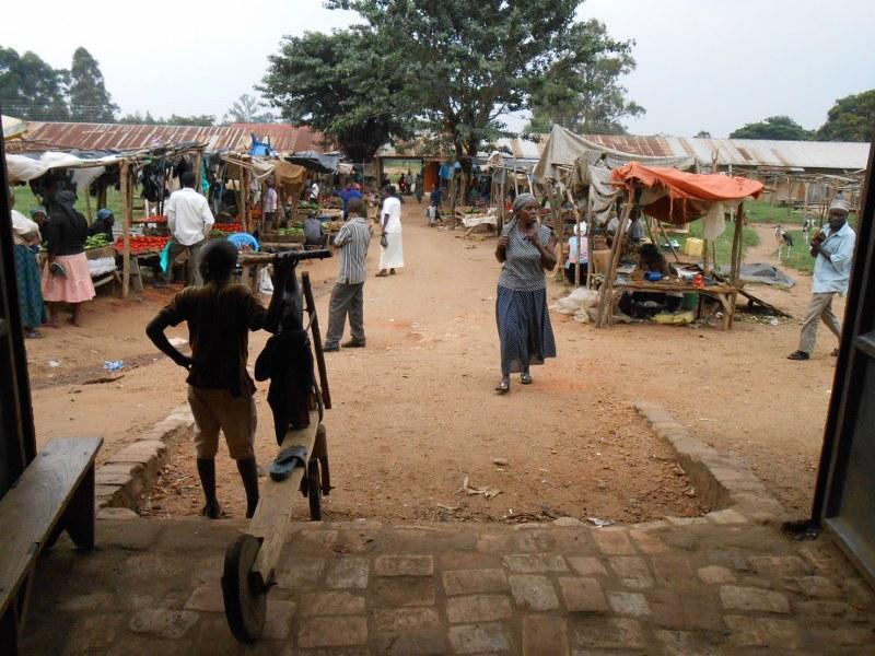 UGANDA 366_800x600