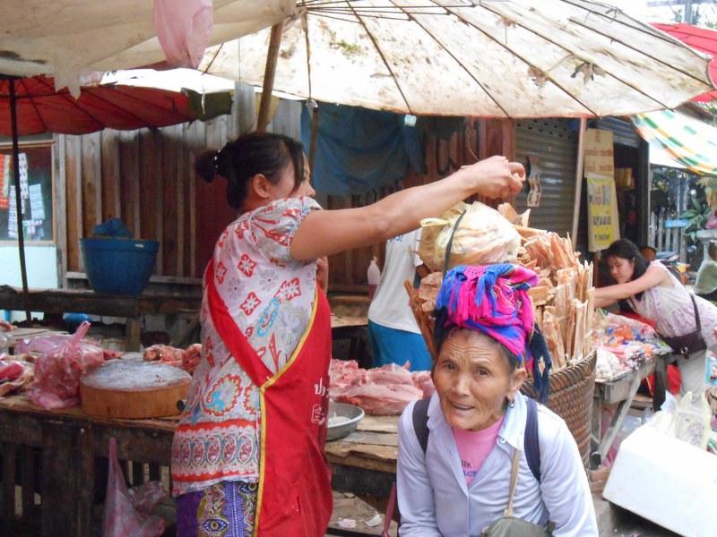 THAI-LAOS 201_800x600